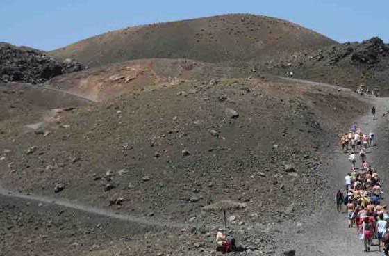 núi lửa santorini
