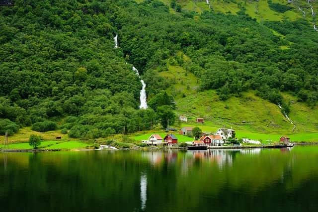 ngôi làng Flam du lịch Bergen