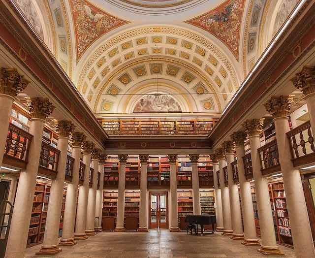 Thư viện quốc gia Phần lan- địa điểm du lịch helsinki phần lan