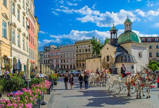 Khu phố cổ Krakow old town- địa điểm du lịch krakow ba lan nổi tiếng nhất