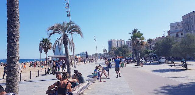 bãi biển La Barcelonata