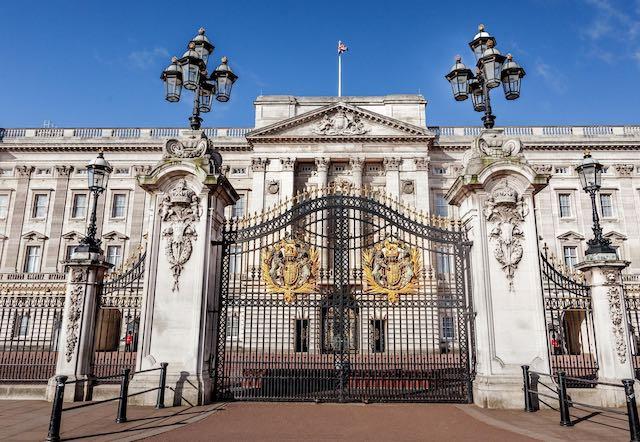 Cung điện Buckingham- địa điểm du lịch london anh quốc