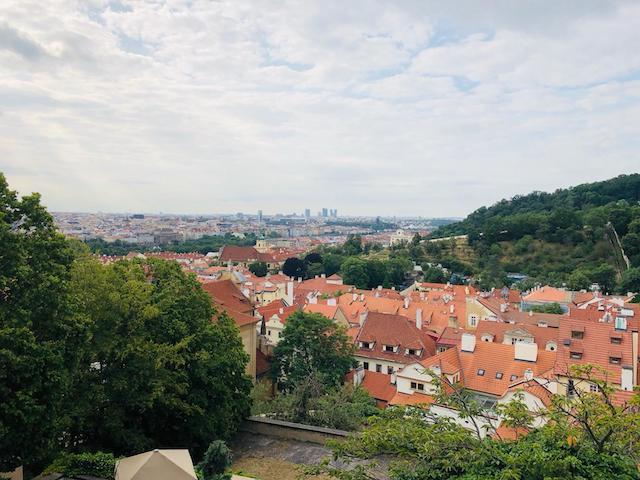 Quang cảnh Praha từ lâu đài cổ