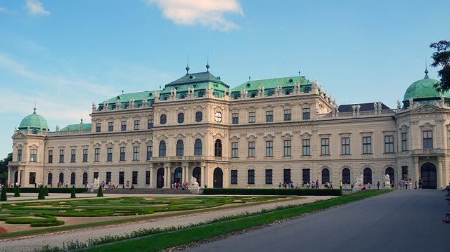cung điện belvedere- địa điểm du lịch Vienna áo nổi tiếng