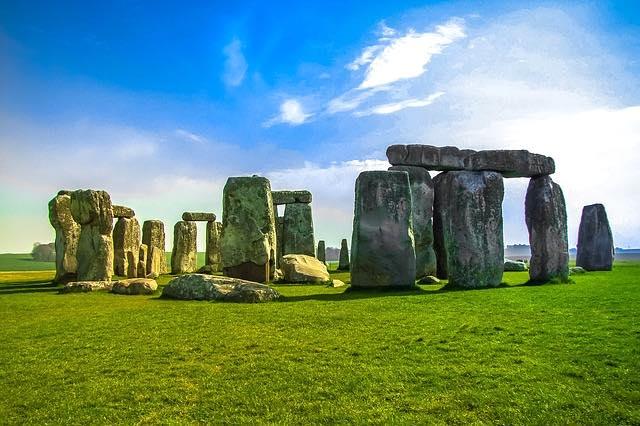 Stonehenge  anh quốc- địa điểm du lịch london anh quốc tự túc