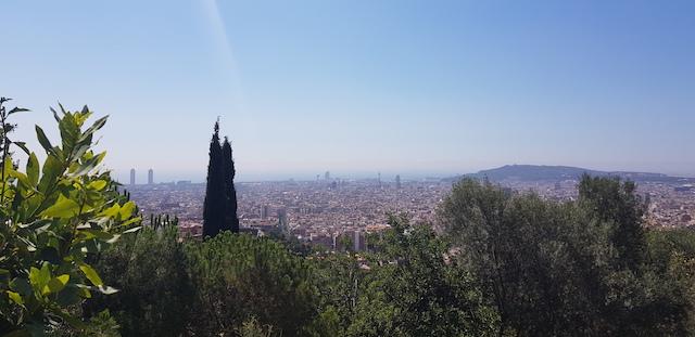 View từ trên đỉnh đồi công viên Parc Guell