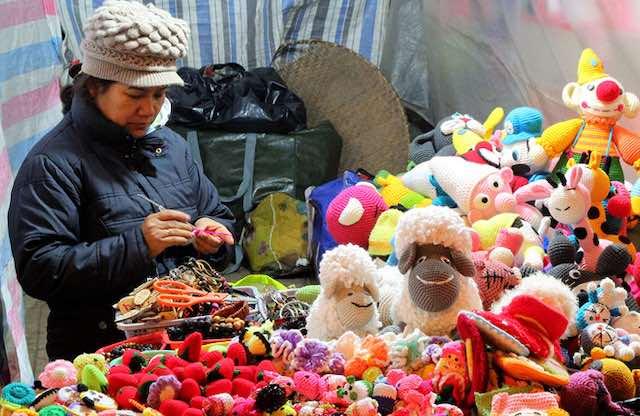 Woollen souvenir in Dalat city