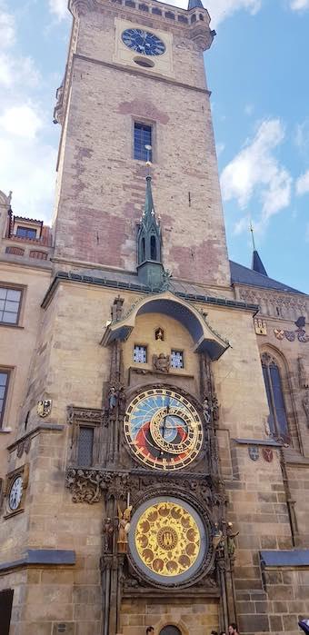 Tháp đồng hồ thiên văn