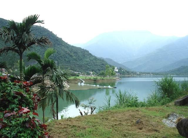 Hồ Liyu- địa điểm du lịch hoa liên đài loan nổi tiếng
