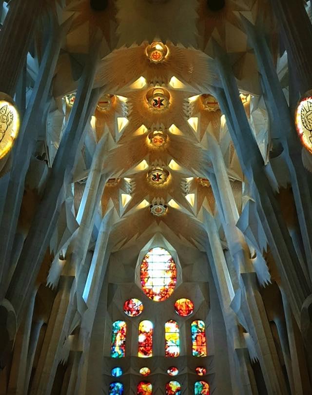 Kiến trúc nhà thờ Sagrada Familia ở Tây Ban Nha