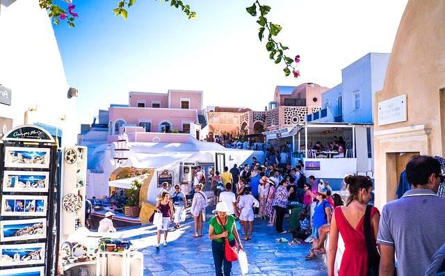 làng oia- địa điểm du lịch santorini nổi tiếng nhất.