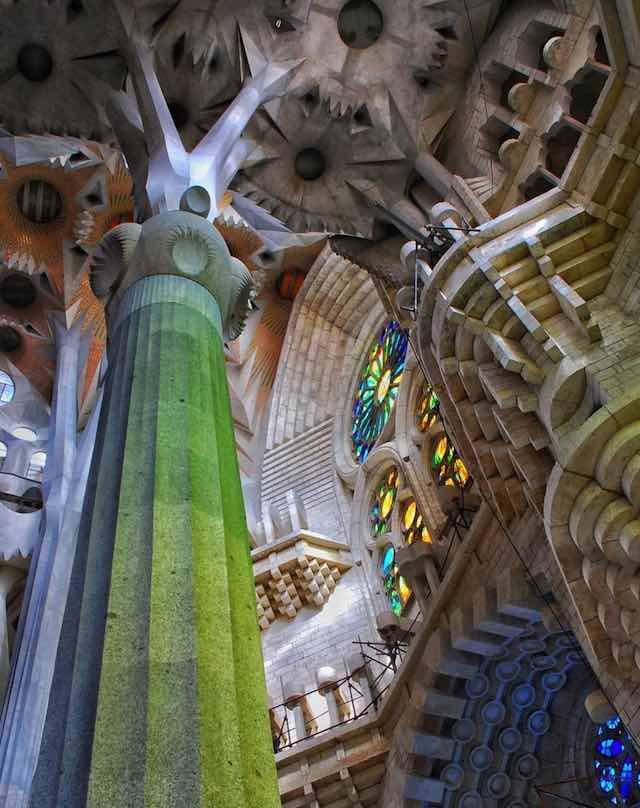 Cột nhà thờ