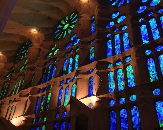 Kiến trúc bên trong nhà thờ Sagrada Familia